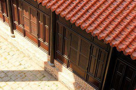 Cận cảnh ngôi nhà cổ hơn 200 tuổi giữa lòng Sài Gòn - 5