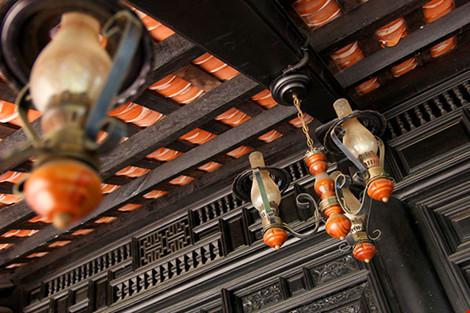 Cận cảnh ngôi nhà cổ hơn 200 tuổi giữa lòng Sài Gòn - 8