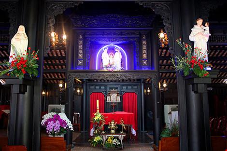 Cận cảnh ngôi nhà cổ hơn 200 tuổi giữa lòng Sài Gòn - 9