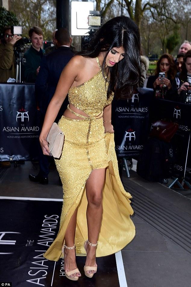Người mẫu Anh mặc như không trên thảm đỏ sự kiện - 9