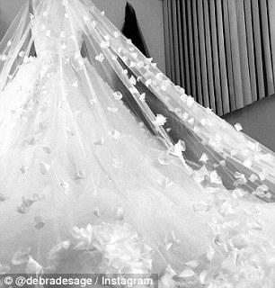 Mariah Carey quyết tâm giảm cân để diện vừa váy cô dâu - 5