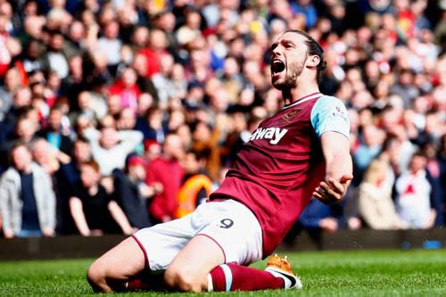 """Arsenal lại """"ôm hận"""" vì một cú hat-trick thần tốc - 1"""