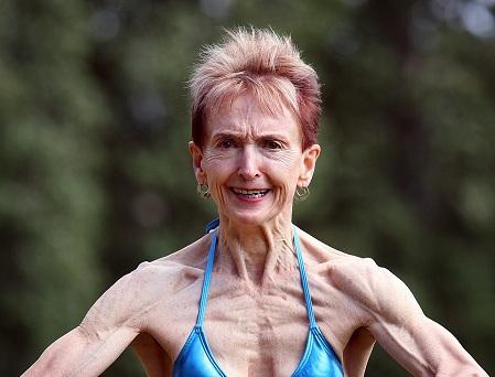 Cụ bà 73 tuổi chăm tập thể hình để chống lão hóa - 1