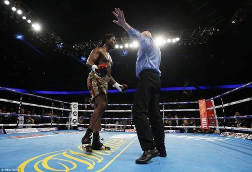 16 trận, knock-out cả 16: Làng boxing chao đảo - 4