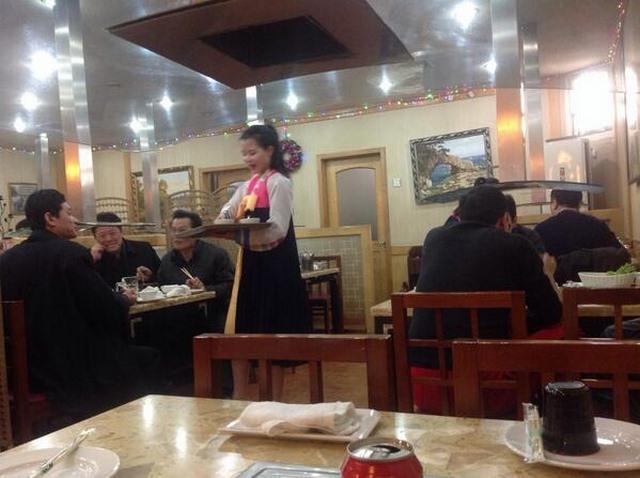 Điều khác lạ trong các nhà hàng Triều Tiên ở nước ngoài - 4