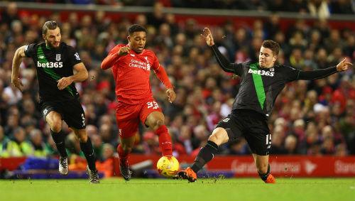 """Liverpool – Stoke: """"Lữ đoàn"""" bỏ mục tiêu - 2"""