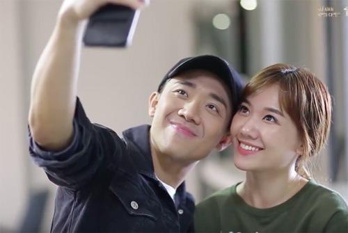 Clip tiết lộ loạt hình thân mật của Trấn Thành - Hari Won - 1