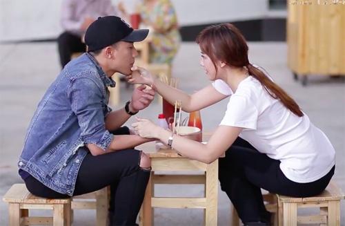 Clip tiết lộ loạt hình thân mật của Trấn Thành - Hari Won - 4