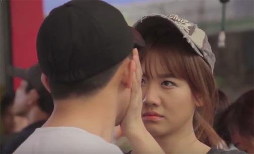 Clip tiết lộ loạt hình thân mật của Trấn Thành - Hari Won - 5