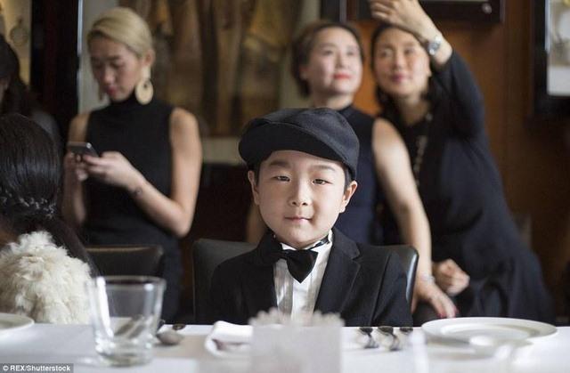 TQ: Cho con học phong cách quý tộc 1 ngày tốn 13 triệu - 6