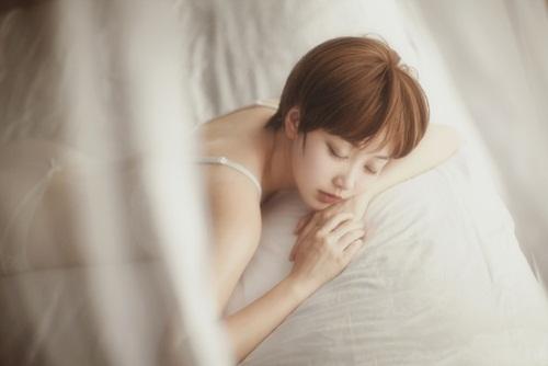 Thiếu nữ Trung Quốc hóa thân thành Min Hari nóng bỏng - 6