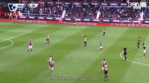 West Ham – Arsenal: Cảm giác khác biệt từ LED Điện Quang - 2