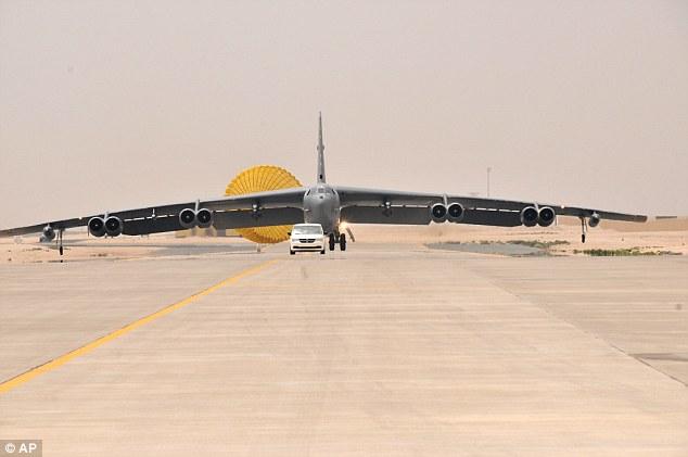 Mỹ đưa máy bay ném bom B-52 đi diệt IS - 1