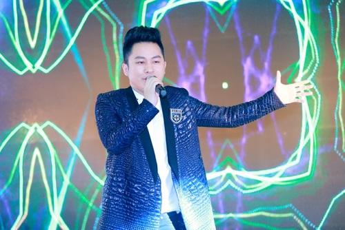 Tùng Dương, Uyên Linh cháy hết mình với khán giả - 4