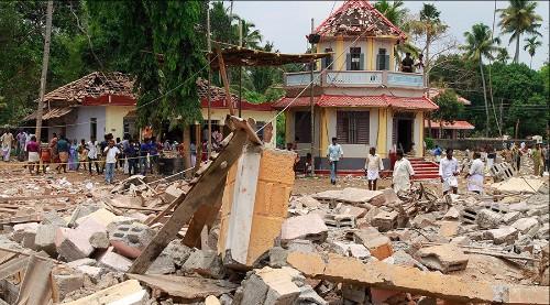 Ấn Độ: Đốt pháo hoa cháy đền thờ, chết 105 người - 1