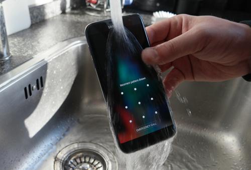 Samsung Galaxy Note 6 có khả năng chống bụi, nước - 1