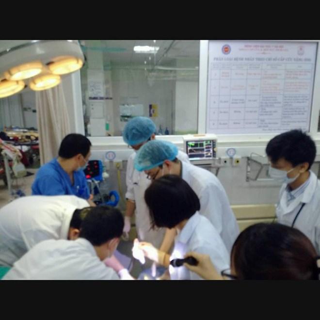 Toát mồ hôi cấp cứu ca bệnh hiếm gặp, mặt biến dạng vì bị nhiễm khuẩn - 1