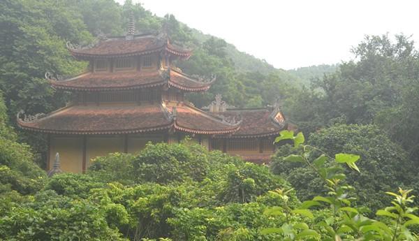 Sự thật về hang động có mùi thơm lạ ở chùa Nhẫm Dương - 1