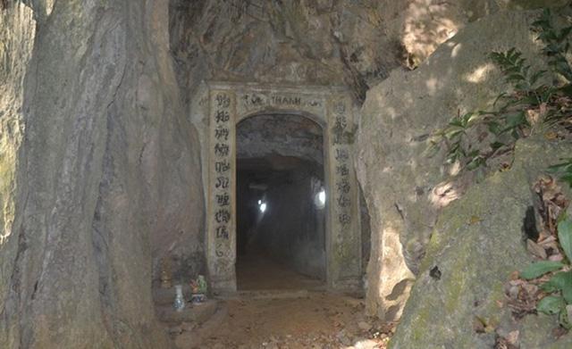 Sự thật về hang động có mùi thơm lạ ở chùa Nhẫm Dương - 2