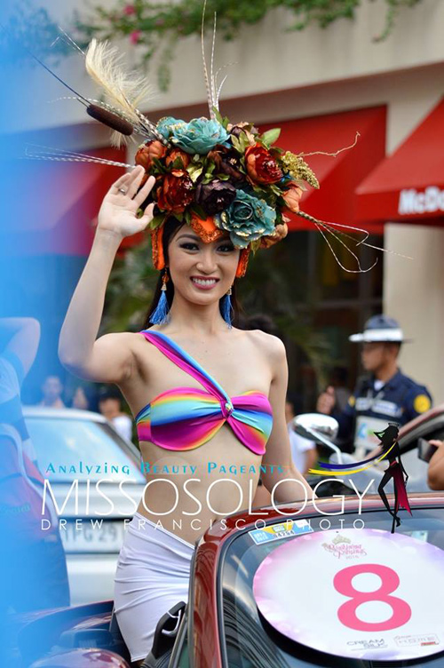 """Đàn em"" tân Hoa hậu Hoàn vũ diễu bikini trên phố - 9"