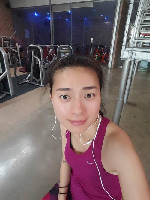 Facebook sao 11.4: Đan Lê chê phim hot của Ngọc Trinh - 14