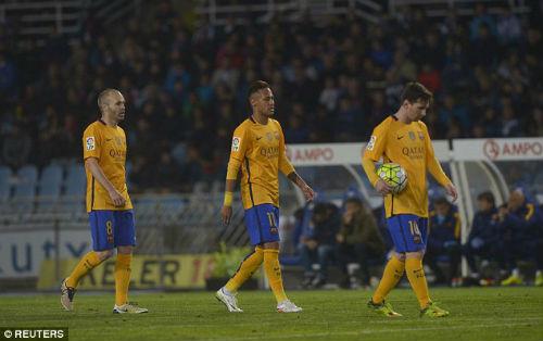 """Tiêu điểm Liga vòng 32: Madrid """"bung lụa"""", Barca nguy to - 1"""