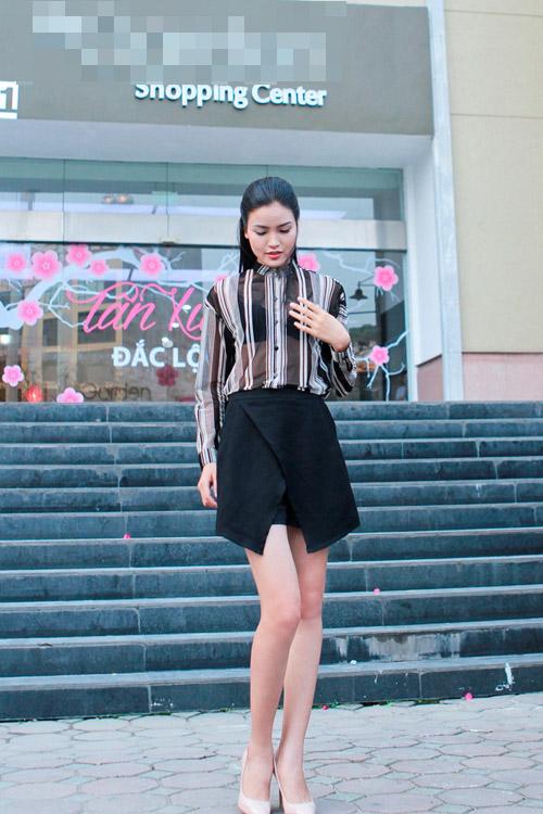 Chà Mi mặc đơn giản đi chấm casting người mẫu - 1