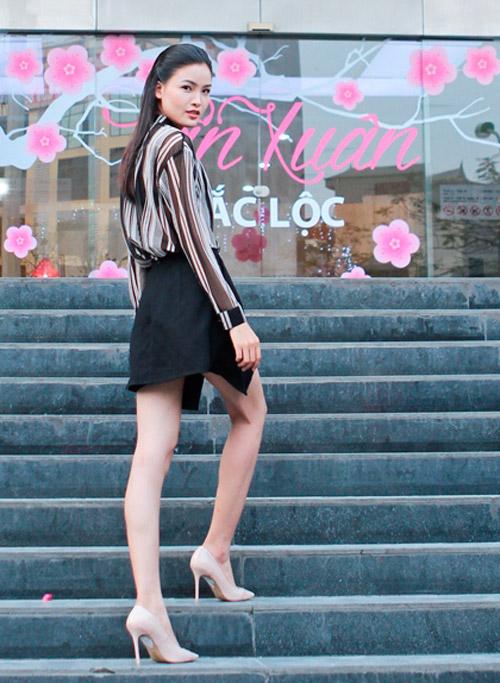 Chà Mi mặc đơn giản đi chấm casting người mẫu - 4
