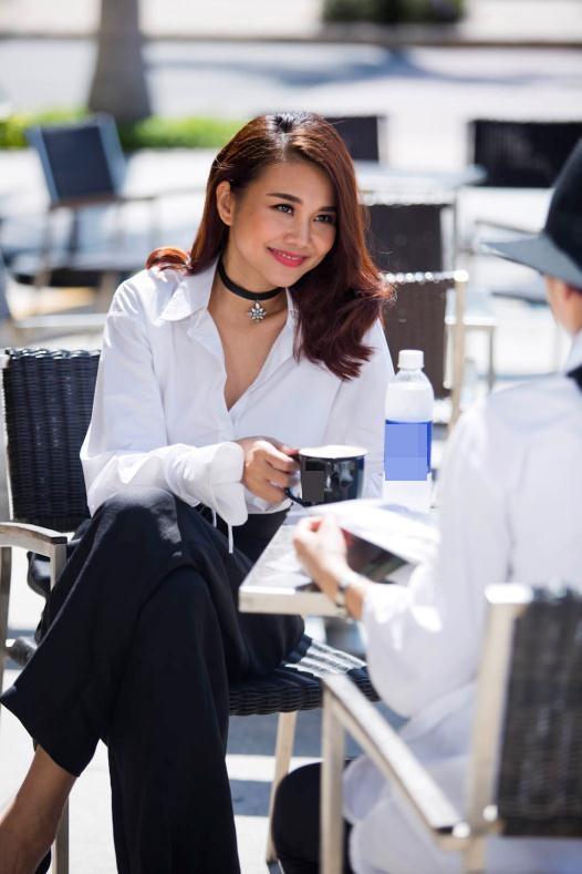 Học sao Việt diện vòng cổ choker rẻ, đẹp, hiệu quả - 15