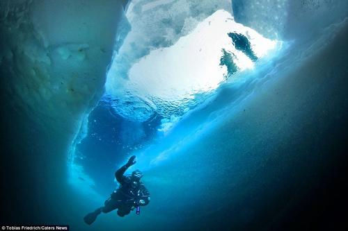 Sốc với phần chìm khổng lồ của tảng băng trôi - 4