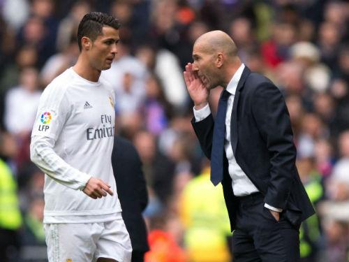 Zidane cam kết ngược dòng, Ronaldo đãi tiệc 8 vạn fan - 1