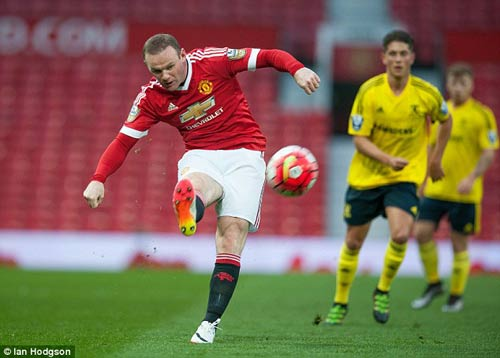 Tái xuất, Rooney chơi xông xáo ở đội U21 MU - 5