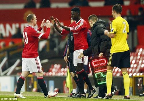 Tái xuất, Rooney chơi xông xáo ở đội U21 MU - 8