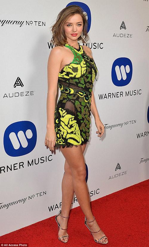"""Miranda Kerr mặc hở hơn sau khi """"xuống tóc"""" - 8"""