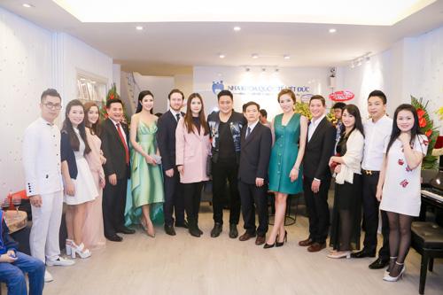 Bác sĩ nha khoa Việt Nam nhận danh hiệu Platinum Elite cao quý - 2