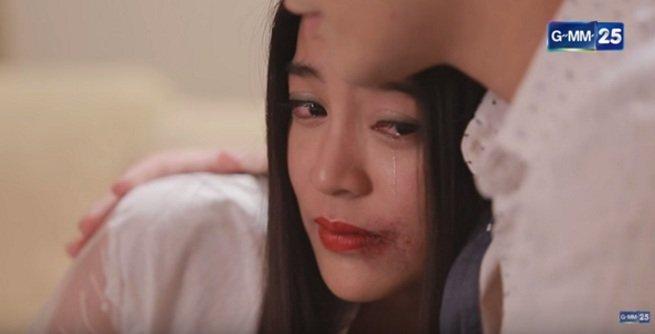 """Fan hả hê màn đánh ghen trong """"Tình yêu không có lỗi"""" - 2"""