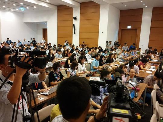 Tổng thư ký QH nói về việc đại biểu chụp hình lúc tuyên thệ - 2