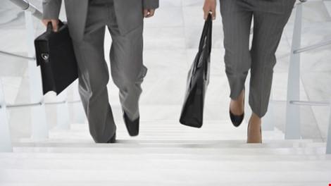 5 mẹo giảm cân dễ không ngờ tại nơi làm việc - 1