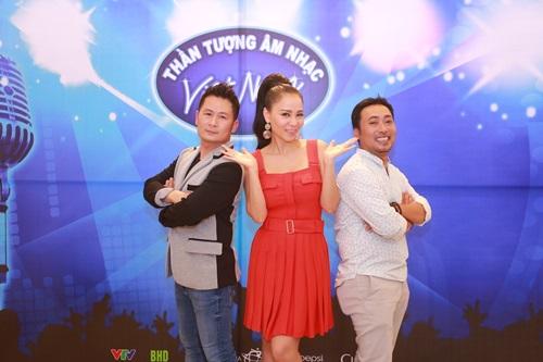 """Lộ diên """"bộ ba quyền lực"""" Vietnam Idol ngày đầu tiên - 4"""