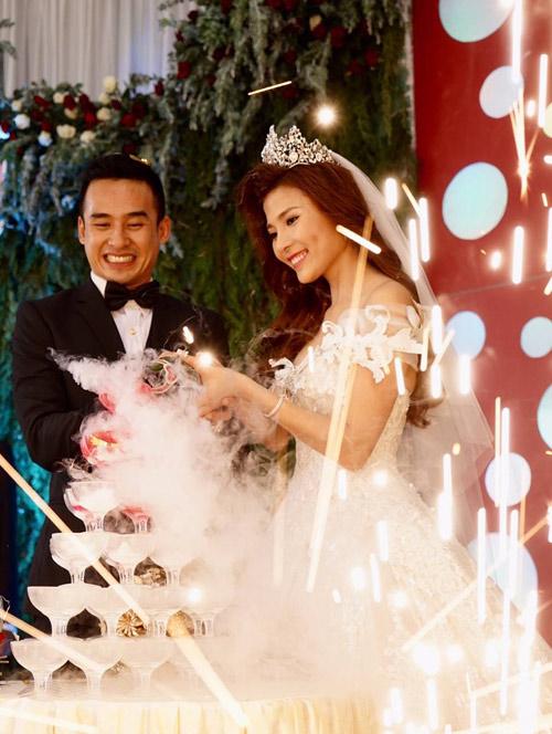 Thúy Diễm xinh như công chúa trong ngày làm cô dâu - 10