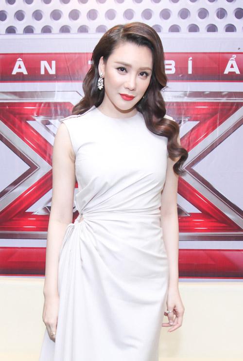 Hồ Quỳnh Hương hoá quý cô gợi cảm tại X-Factor - 2