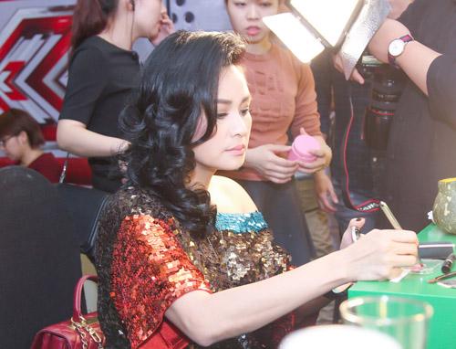 Hồ Quỳnh Hương hoá quý cô gợi cảm tại X-Factor - 6