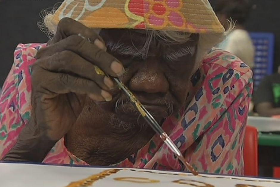 Úc: Bà cụ 105 tuổi vẽ tranh nổi tiếng thế giới - 1