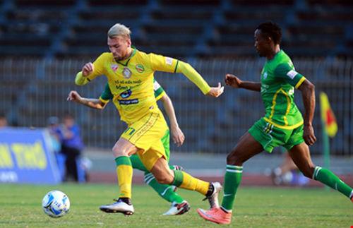 Nhìn V-League, lo cho diện mạo đội tuyển - 1
