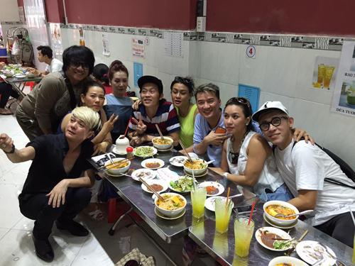 Facebook sao 13.4: Hồ Ngọc Hà tái xuất Facebook - 3