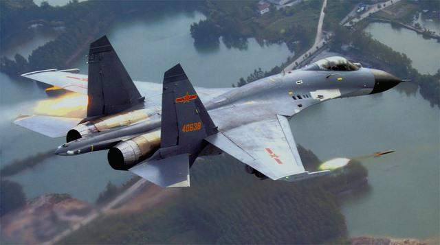 TQ đưa 2 máy bay chiến đấu J-11 tới Hoàng Sa - 2