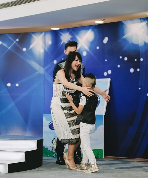 Văn Mai Hương trẻ trung bên Isaac chấm thi Vietnam Idol Kids - 4