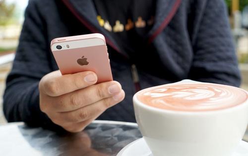 Những ai nên mua iPhone SE? - 3