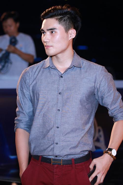 Người đẹp Tiền Giang hốt hoảng vì ngã trên sàn diễn - 8
