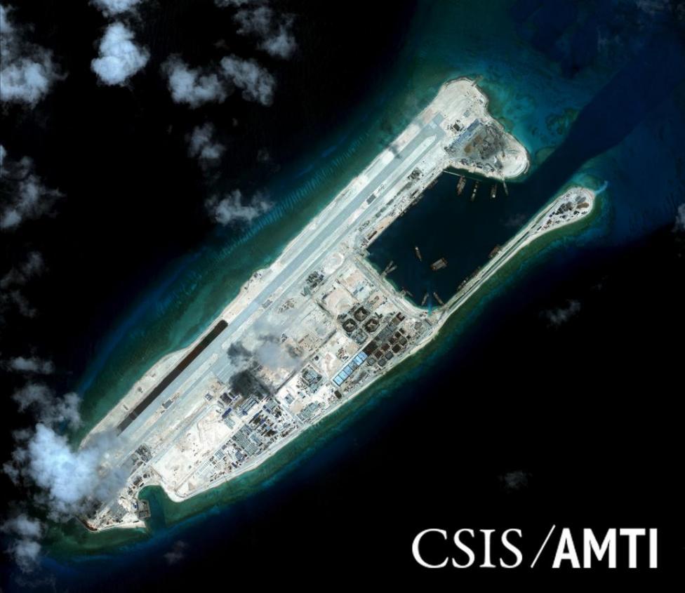 Mỹ: TQ xây đảo nhân tạo hủy hoại môi trường Biển Đông - 1